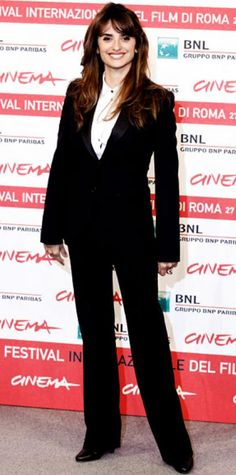 Look of the Day › October 27, 2011 WHAT SHE WORE Cruz suited up in a slim Dolce & Gabbana design at the Rome International Film Festival.