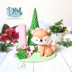Mini Wedding Cakes, Woodland Cake, 1st Birthday Themes, Polymer Clay Animals, Cute Clay, Fondant Toppers, Chocolate Decorations, Fondant Figures, Rainbow Birthday
