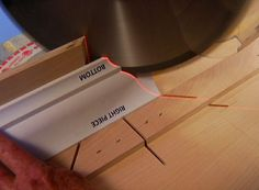 How to cut compound miters and miter joints using a combination protractor. Cut accurate compound angles for crown molding. Woodworking Power Tools, Beginner Woodworking Projects, Woodworking Workshop, Woodworking Jigs, Carpentry, Moldings And Trim, Crown Molding, Moulding, Woodworking Protractor