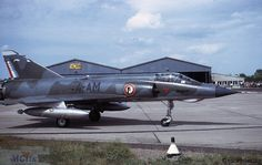 IIIE du 1/4 en mai 1971, au roulage Dassault Aviation, 1975, Mai, Airplanes, Fighter Jets, Aircraft, Air Force, Military Aircraft, Military Men