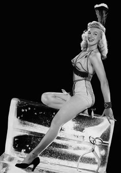 A young Marilyn Monroe photographed by Bruno Bernard around 1948 <3
