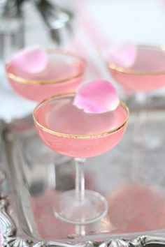 Lady rose drink recipe - perfect for Mother's Day Brunch Valentine Drinks, Valentines, Rose Drink, Cocktail Drinks, Rose Cocktail, Champagne Drinks, Champagne Brunch, Pink Cocktails, Fancy Drinks