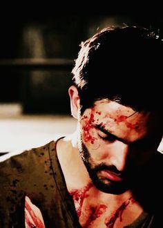 Derek almost dead ?  Teen Wolf  - Tyler Hoechlin in Teen Wolf