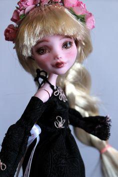 https://flic.kr/p/UbZEYe | Rose - custom OOAK Monster High Doll repaint | www.etsy.com/uk/listing/534641265/rose-custom-ooak-monste...