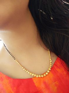 Beautiful mangalsutra small nd cute Jewelry Design Earrings, Gold Earrings Designs, Necklace Designs, Gold Jewelry, Gold Designs, Jewelry Stand, Bead Jewellery, Jewellery Designs, Beaded Jewelry