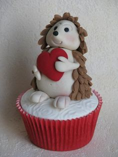 cupcake hérisson St-Valentin / V-day porcupine cupcake