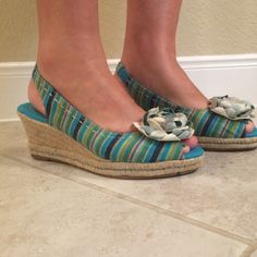 Naturalizer  sandals, like new Naturalizer sandals, very cute, barely worn, like new and very comfortable. Goes with everything Shoes Espadrilles