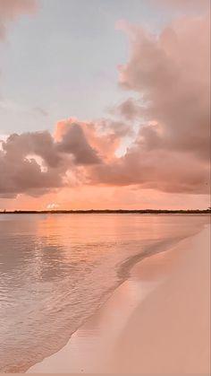 Beach Sunset Wallpaper, Ocean Wallpaper, Pink Wallpaper Iphone, Tumblr Wallpaper, Gold Wallpaper Background, View Wallpaper, Wallpaper Backgrounds, Aesthetic Backgrounds, Aesthetic Iphone Wallpaper