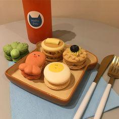 Pin: strawberryandbananamiuk – Pastry World Cute Desserts, Dessert Recipes, Think Food, Yummy Food, Tasty, Cafe Food, Macaron, Aesthetic Food, Food Cravings
