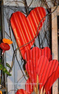 art in the garden: wud luv 2 find out how 2 do these. Sheet Metal Crafts, Sheet Metal Art, Garden Crafts, Garden Art, Chicken Wire Art, Backyard Creations, Barn Tin, Valentines Art, Valentine Ideas