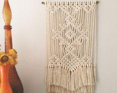 Suspension en macramé Florence par PrettyKooky sur Etsy