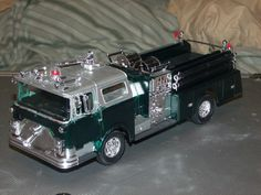 1975 Mack Pumper Engine (Green and Sliver)