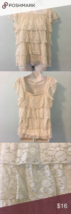 Apt.9 Ruffled Blouse Size L Style&Co Sports Skort SizeL. Square neckline. Its perfect for summer. Feel free to ask any questions :) Apt. 9 Tops Blouses