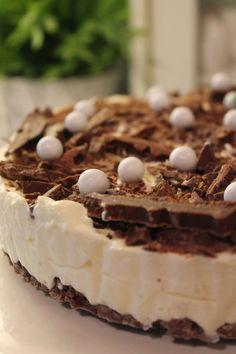 Kakkuviikarin vispailuja!: Jäädytetty Mariannekakku Tiramisu, Cheesecake, Ice Cream, Cupcakes, Baking, Ethnic Recipes, Desserts, Food, Cheesecake Cake