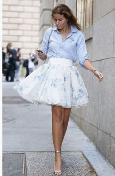 Pin for Later: All the Best Street Style From New York Fashion Week NYFW Street Style Day 4 A full skirt meets a bit of business casual. Tulle Mini Skirt, Full Skirt Dress, Mini Skirts, Tulle Skirts, 50s Dresses, Spring Dresses, Spring Outfits, Party Dresses, Nyfw Street Style