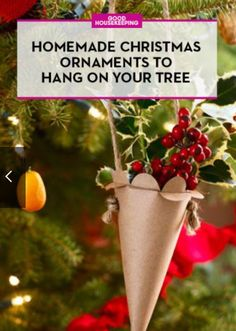 You can now officially put your holiday decorations up! Check out these fun ornaments you can make with the family 👨‍👩‍👧‍👧👨‍👩‍👧‍👧💚❤️🌲🎄🎄⛄❄️