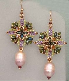 I love these Super Square earrings beaded by Wanda Rivera.  http://ellad2.com/store/products/tutorial-super-square-earrings/