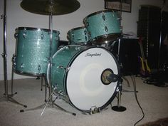Slingerland Set in Turquoise Glass Glitter Vintage Drums, Drum Sets, How To Play Drums, Beautiful Guitars, Turquoise Glass, Percussion, Hot Rods, Sticks, Engine