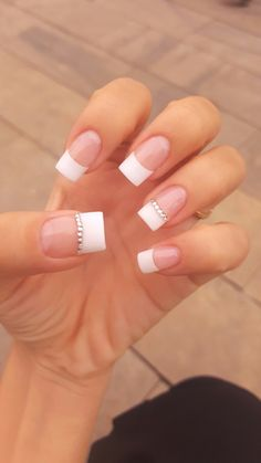 french nails ballerina Tips - DIY French Nail Tips At Home Cute Nails, Pretty Nails, My Nails, Bride Nails, Prom Nails, White Tip Acrylic Nails, Nails With White Tips, White French Nails, Glitter French Tips