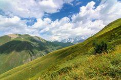 Sommertag im Kaukasus in den Bergen um Ushguli in der Provinz Swanetien in Georgien. Fotografiert mit Nikon D50 und Tokina AT-X PRO DX 124.