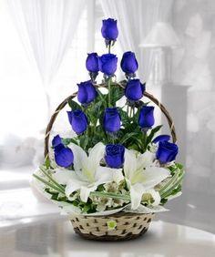 Selecting The Flower Arrangement For Church Weddings – Bridezilla Flowers Rose Flower Arrangements, Ikebana Flower Arrangement, Floral Centerpieces, Nylon Flowers, Silk Flowers, Flowers Garden, Funeral Arrangements, Victorian Flowers, Flower Spray