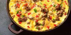 Bruk stekepanne. Smøret skal være varmt uten å være brunt. Løk, kjøttdeig, salt og pepper blandes i pannen med en gaffel og brunes litt, slik at kjøttet blir...