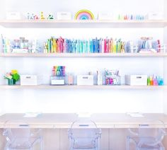Homework and study station in all rainbows 🌈 Home Organisation, Office Organization, Organizing, Kids Study Spaces, Kid Spaces, Kids Rooms, Kids Bedroom, Small Spaces, Colorful Playroom