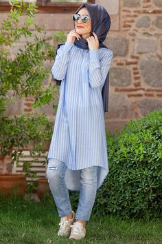 Minel Aşk Mavi Naturel Tunic Online Sale, Buy with Discount Modest Fashion Hijab, Casual Hijab Outfit, Hijab Chic, Fashion Outfits, Fashion Books, Fashion Tips, Muslim Women Fashion, Islamic Fashion, Modele Hijab