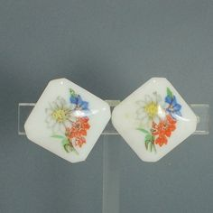 Earrings W.German vintage milkglass flower on square clip on  #WGermany #clipon