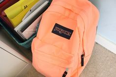 """Find and save images from the """"Backpacks"""" collection by Evelyn Gomez (Freckle_Girl) on We Heart It, your everyday app to get lost in what you love. Pretty Backpacks, Girl Backpacks, College Backpacks, Mochila Jansport, Jansport Backpack, Tumblr Quality, Orange Backpacks, Animal Bag, Puppy Face"""