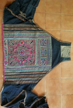 Hey, I found this really awesome Etsy listing at https://www.etsy.com/uk/listing/528599603/vintage-hmong-miao-baby-carrier-h248