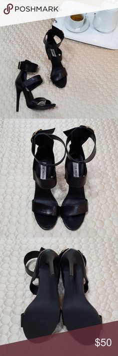 """Genuine Leather Steve Madden Heels In excellent condition.. only bottom shows a little wear.. 8M.. 5"""" heel.. All shoes are clean and disinfected.. all item's are ready to ship.. Shipping next business day.. Bundle 2 or more items for an additional 10% discount.. Steve Madden Shoes Heels"""