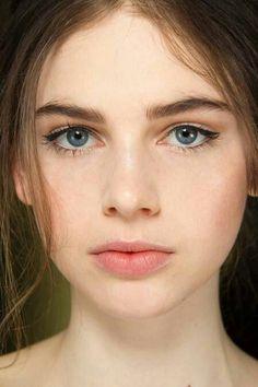 Lovely natural makeup/no makeup makeup. So beautiful and simple