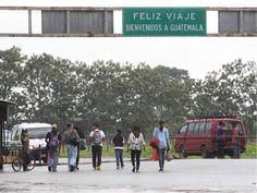 Guatemala y Honduras crean mecanismos para implementar unión aduanera En un comunicado, ambas delegaciones destacaron que Honduras y Guatemala trabajan en la unión aduanera desde el 2014 El ministro de Desarrollo Económico de Honduras, Arnaldo Castillo, y el ministro de Economía de Guatemala, Rubén Morales, firmaron los reglamentos en una ceremonia celebrada en Tegucigalpa.