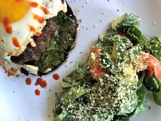The best homemade hamburgers! The best way to enjoy them is on top of a portobello mushroom! Healthy Snacks, Healthy Recipes, Homemade Hamburgers, Portobello, Avocado Toast, Whole Food Recipes, Smoothies, Stuffed Mushrooms, Clean Eating
