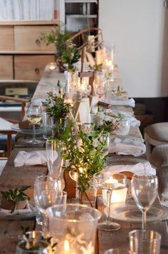 Christmas Decoration at sisterMAG. Simple, lovely, and in the spirit! #holiday #inspiration
