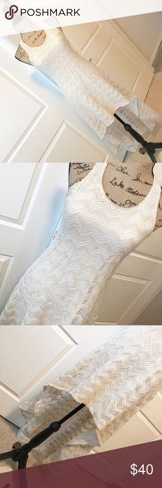 Women's cream crochet hi-low dress Beautiful women's cream crochet hi-low dress. Gently used. In excellent condition. Perfect outfit for that beach vacation getaway :) Dresses High Low