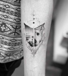 Abstract vision - John Monteiro Tattoo Grafik, Sketch Style Tattoos, Skin Paint, Dog Tattoos, Tattoo Artists, Body Art, Contemporary Art, Tattoo Designs, Brazil Brazil