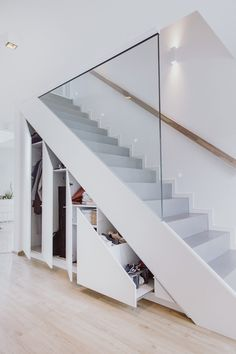 Home Stairs Design, Interior Stairs, Home Room Design, Home Interior Design, Modern Stairs Design, Staircase Storage, Staircase Makeover, Stair Storage, Stair Decor