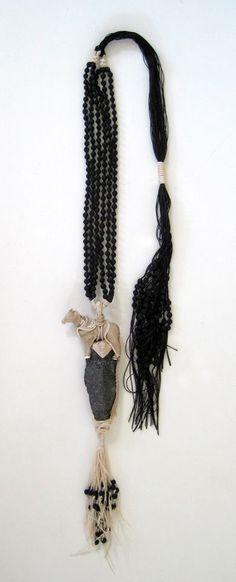 "EXPO Noir basalte - Galit Einav (IL) . : ""Amulet"" neckpiece 2015"