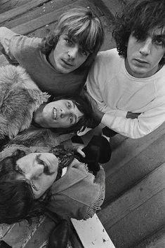 Art Pink Floyd, Kurt Cobain, Viejo Hollywood, Band Photography, Roger Waters, Psychedelic Rock, David Gilmour, Wattpad, Wedding Humor
