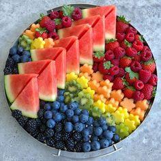 Fruit Recipes, Snack Recipes, Parfait Recipes, Juice Recipes, Fruit Platter Designs, Fruit Designs, Party Food Platters, Fruit Platters, Party Fruit Platter
