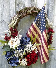 Americana Wreath in red white and blue would be pretty for of July, Memorial Day or just because! Patriotic Wreath, Patriotic Crafts, July Crafts, Flag Wreath, Patriotic Party, Wreath Crafts, Diy Wreath, Decor Crafts, Grapevine Wreath