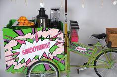Unique ideas for creative events Le Cargo, Coffee Carts, Cafe Bike, Mobile Shop, Exhibition Stands, Orange Juice, Box, Creative, Smoothies