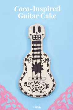 Make this delicious Coco-themed cake inspired by a very important element of the film: the symbolic guitar. Your kids will love the design and the moist chocolatey center, vanilla buttercream frosting, and candy details.