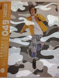 Publication de www.graphiline.com sur la couverture rétroréfléchissante réalisée par le groupe #JapellHanserSag en première Française pour le magazine Shoes Up (Converse) : http://www.graphiline.com/article/22717/japell-hanser-sag-innove-creer-un-magazine-retroreflechissant