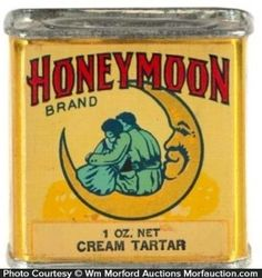 Vintage litho tin for Honeymoon brand Cream of Tartar (Moore Grocers, Sioux City, IA): Vintage Baking, Vintage Tins, Vintage Labels, Vintage Kitchen, Spice Tins, Old Spice, Vintage Packaging, Clever Packaging, Complicated Love