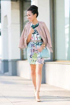 I like the print on this dress!
