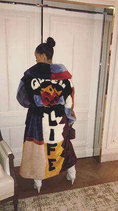 via Rihanna's Instagram Stories 2/26