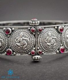 Oxidised Apsara silver bracelet handmade by craftsmen skilled in ancient jewellery-making techniques. Choose from hundreds of designs and motifs offered by KO Jewellery. Online shopping, worldwide shipping.